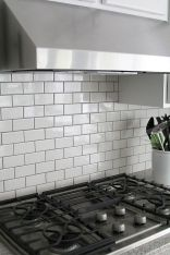 Stunning Kitchen Backsplash Ideas for Neutral Color Kitchen Designs Part 40