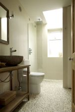 Best bathroom pebble floor designs that add natural bathroom look Part 5