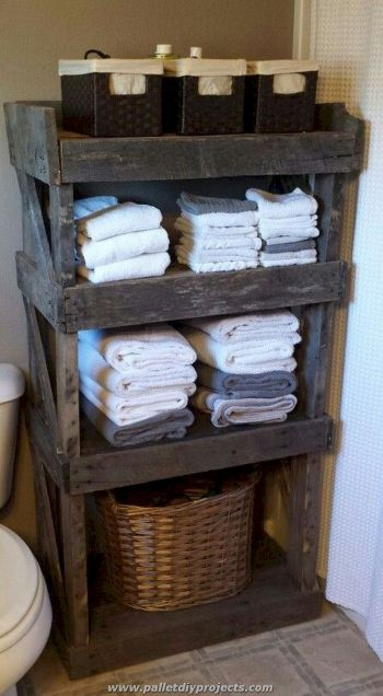 DIY bathroom shelves from wood pallets that improve bathroom looks Part 10