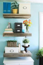 DIY bathroom shelves from wood pallets that improve bathroom looks Part 12