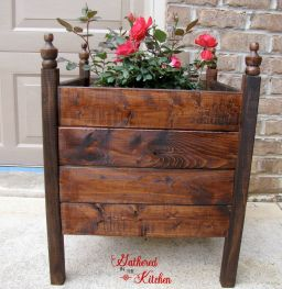 DIY planter boxes made from reclaimed woods and pallets excellent for outdoor and indoor decoration Part 25