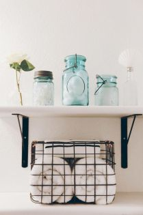Effective bathroom organization with easy open shelving ideas Part 5