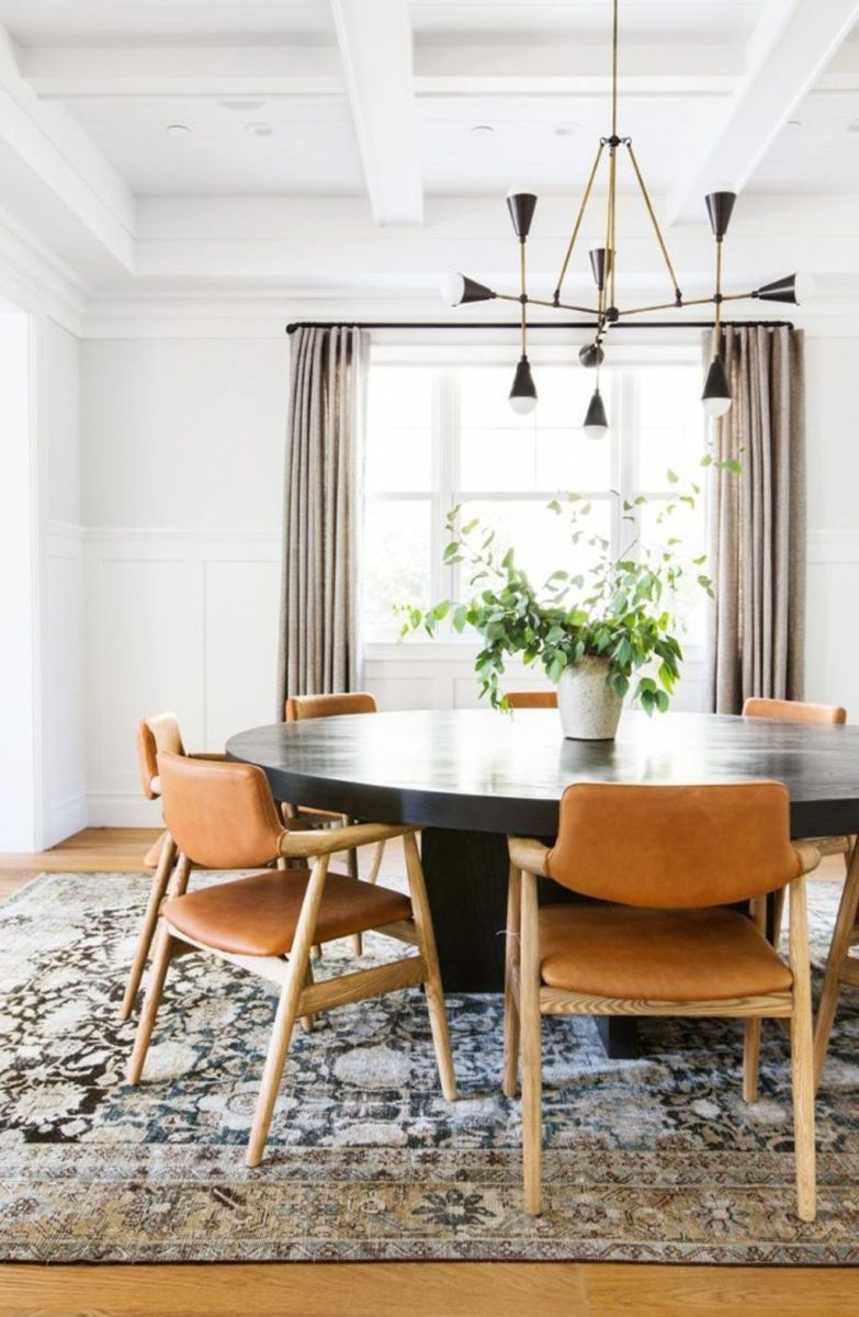 Modern Coastal Home Designs with Traditional Dining Room Twist Part 24