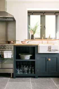 Natural Stone Floor Ideas that Looks Amazing in Traditional and Vintage Kitchen Styles Part 24