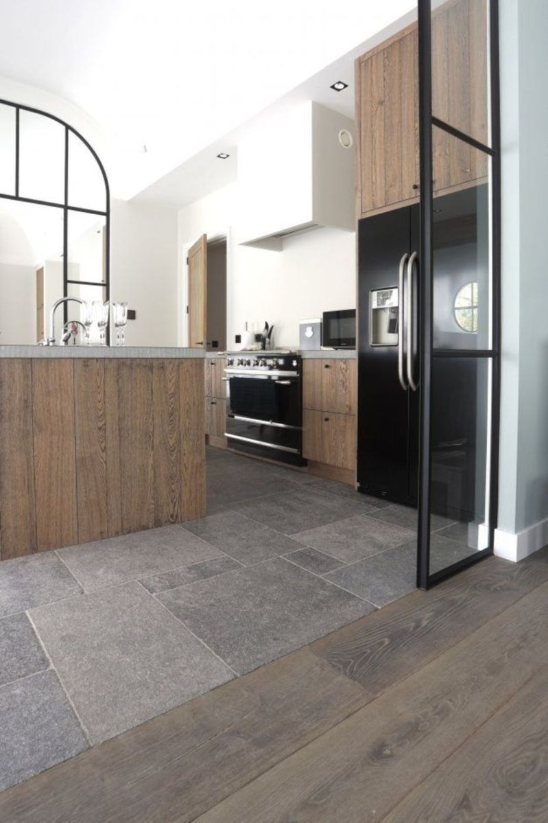 Natural Stone Floor Ideas that Looks Amazing in Traditional and Vintage Kitchen Styles Part 26