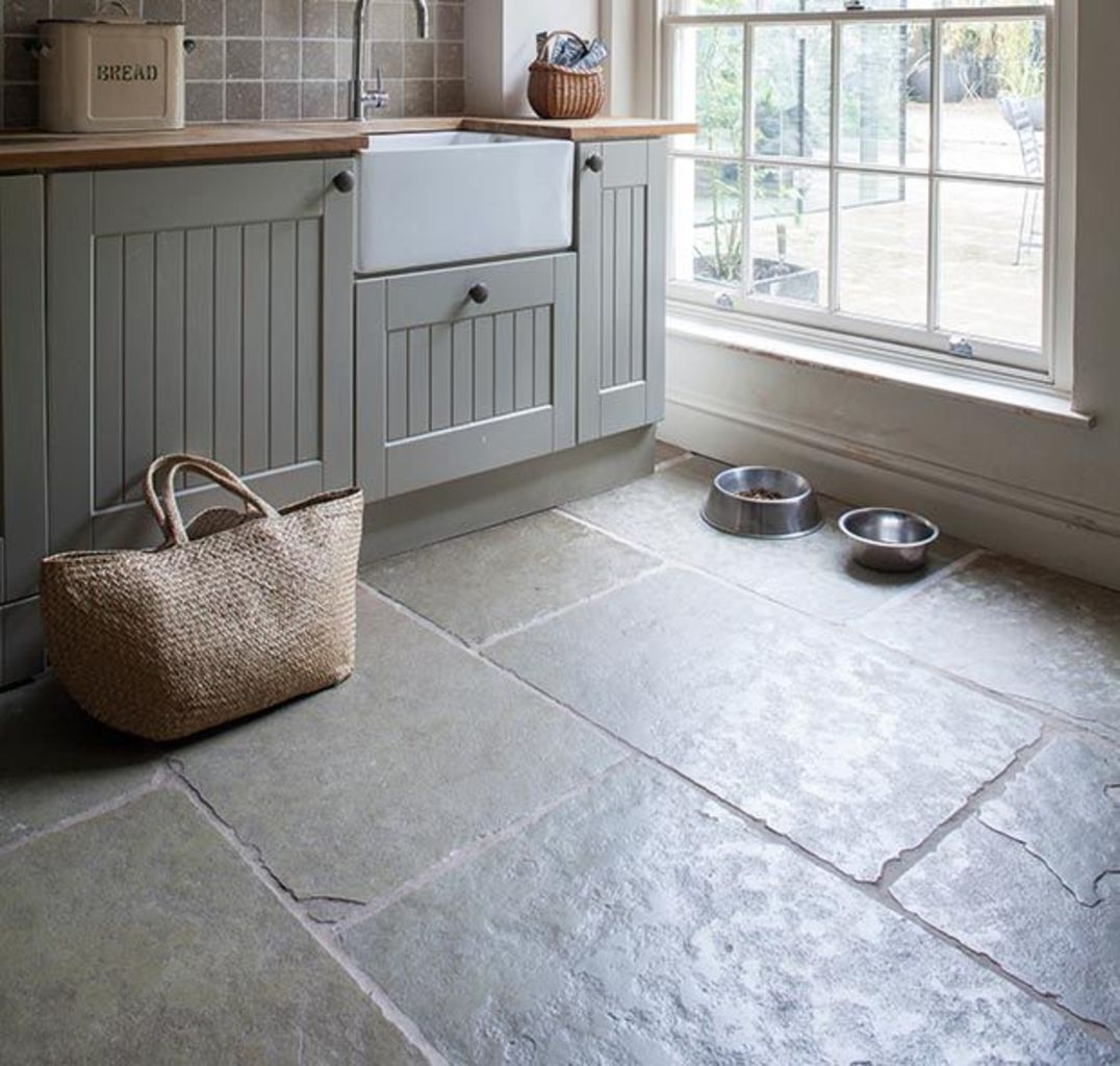 Natural Stone Floor Ideas that Looks Amazing in Traditional and Vintage Kitchen Styles Part 4