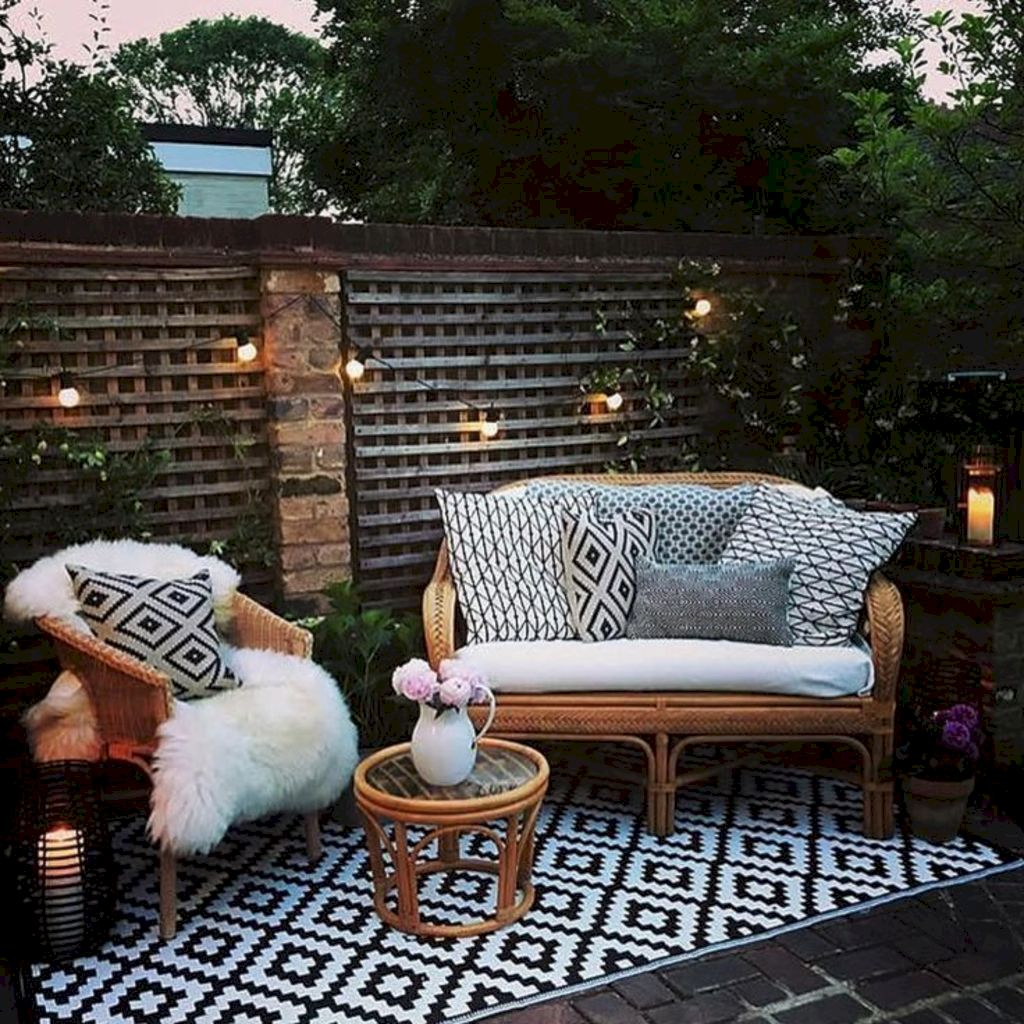 Open living space and porch design as special space to gather and enjoy your landscape (17)