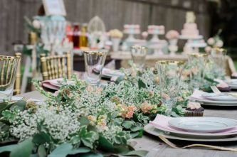 Romantic Spring Wedding Decoration with Green Peach and Cherry Pink Color Themes That Look Very Lovely Part 23