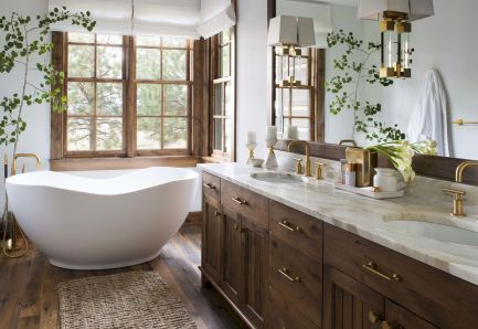 Small standing tubs powerful to make up small bathroom looks Part 1