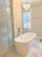 Small standing tubs powerful to make up small bathroom looks Part 13