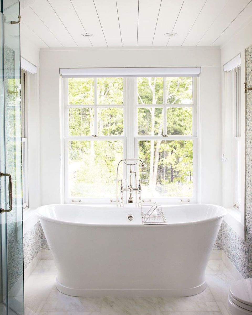 Small standing tubs powerful to make up small bathroom looks Part 18