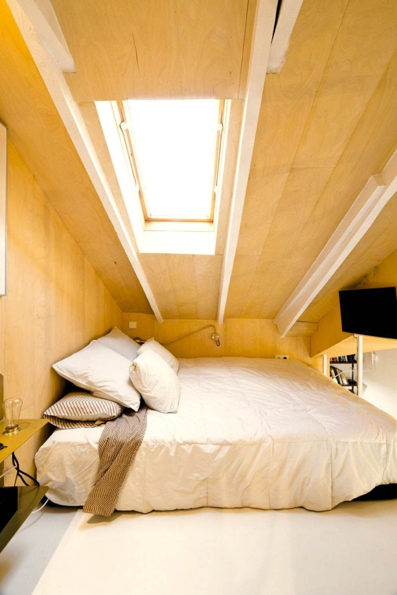 Utilizing limited space into cozy bedroom in attic ronovation in madrid MULTIPLYING ARCHITECTURES (III) Duplicated Renovation Idearch Studio (12)