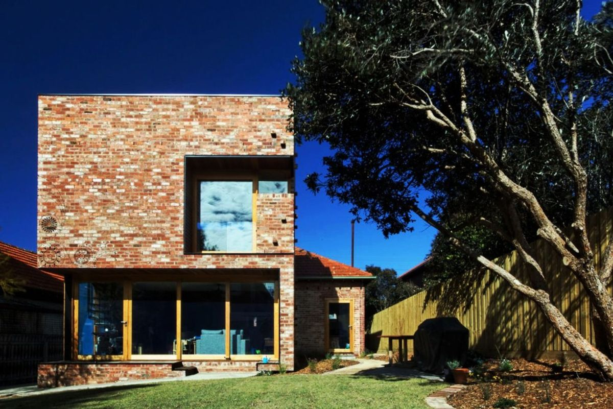 Box house extension designed to harvest more light during the day as it also gives environment friendly functions – Ilma grove (3)
