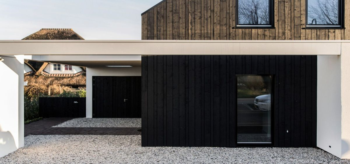 Creative architecture design maximizing outdoor space with open terrace that has unique concept fur multiple occasions (1)