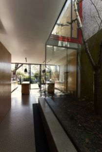 Modern house concept maximizing narrow area with brilliant spatial distribution strategy Moor House (9)