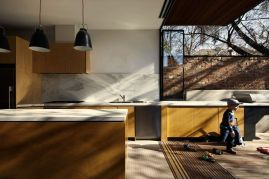 Modern urban house style with cantilever structure for useful backyard terrace Moor House (4)