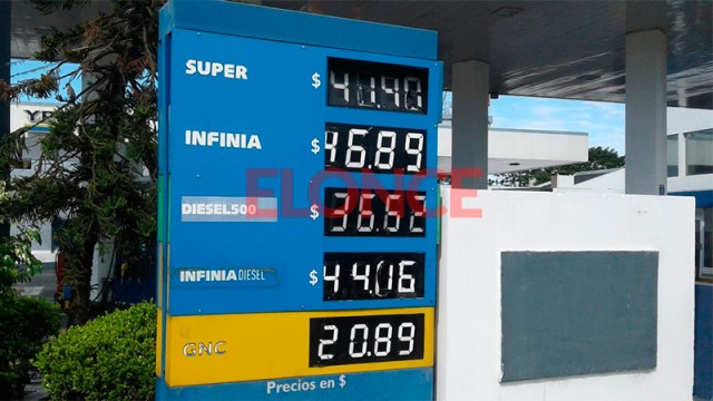 Oil continues to fall, while gasoline prices rise in
