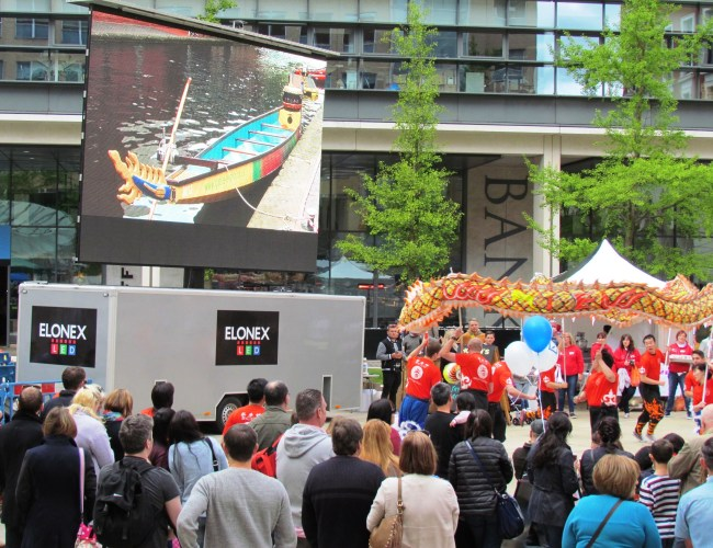 Elonex Giant Screen Sets Sail for the Brindleyplace Dragonboat Race!