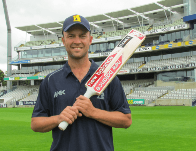Elonex Back Trotty for Cup Final Glory
