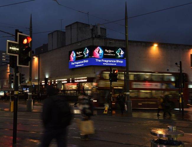 DOOH Achieves Highest Ever Share of Quarterly Out of Home Revenues