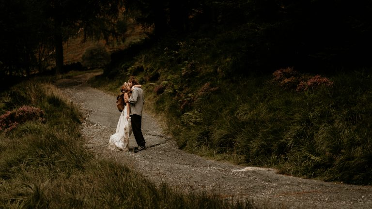 unfurl39-photography-lake-district-van-life-elopement-wedding-countryside-elope-boho-inspiration-hip-adventure-outdoor-england-mountain-pass-hike-kiss