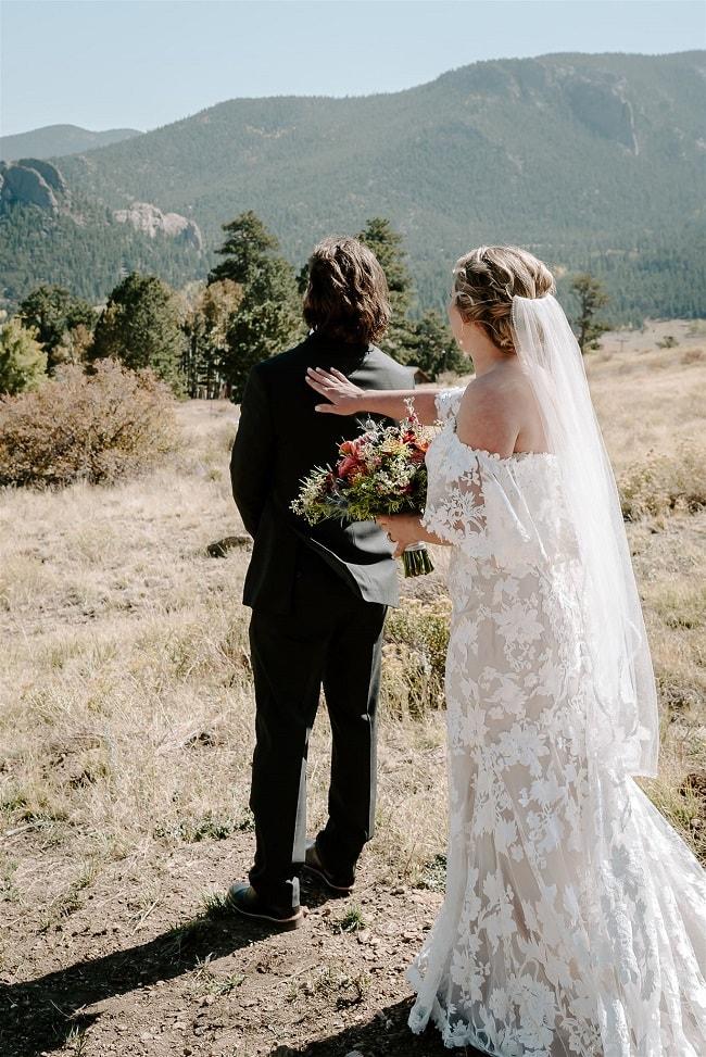 Courtney12-Lynn-colorado-adventure-elopement-packages-destination-wedding-photographer-estes-park-elope-bride-groom