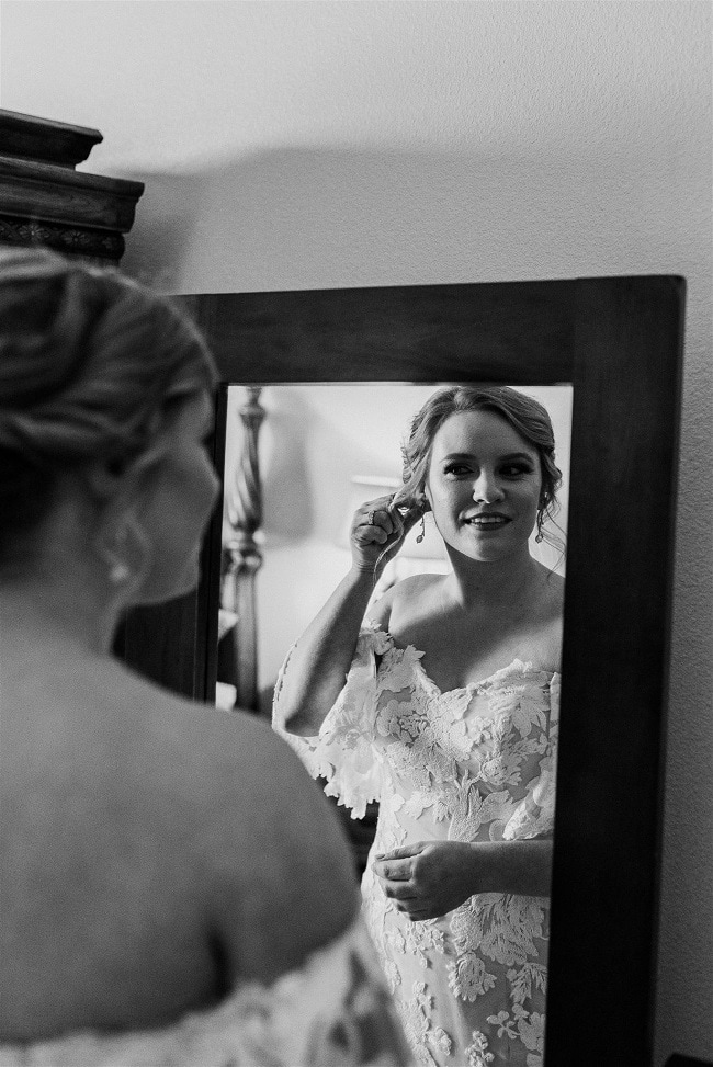 Courtney4-Lynn-colorado-adventure-elopement-packages-destination-wedding-photographer-estes-park-elope-intimate