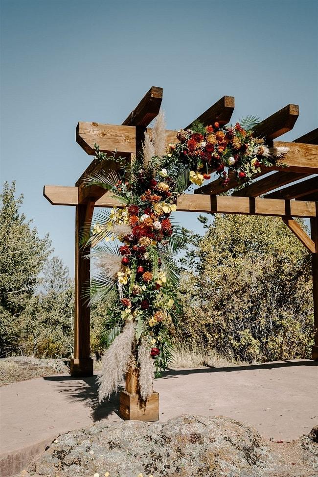 Courtney42-Lynn-colorado-adventure-elopement-packages-destination-wedding-photographer-estes-park-elope-floral-decor