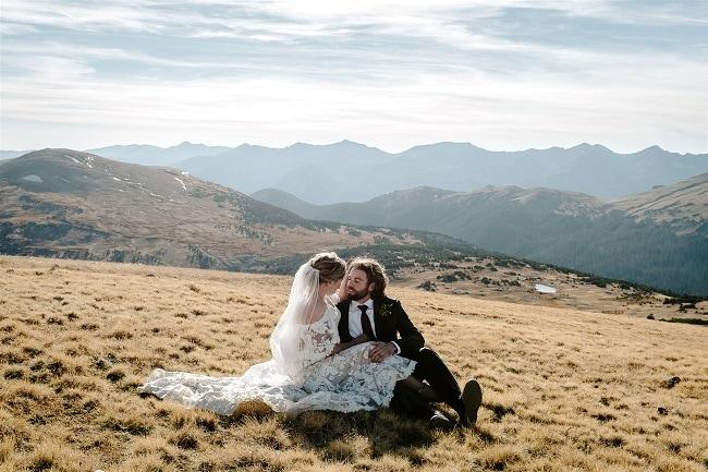 Courtney72-Lynn-colorado-adventure-elopement-packages-destination-wedding-photographer-estes-park-elope-mountain
