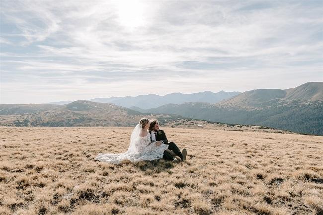 Courtney76-Lynn-colorado-adventure-elopement-packages-destination-wedding-photographer-estes-park-elope-scenery
