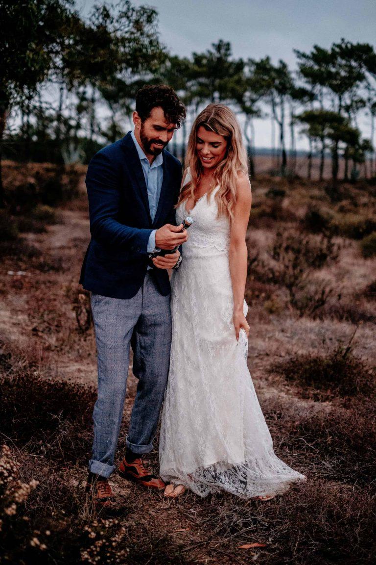 Hochzeit-in-Portugal-an-der-Algarve-29-elopement-wedding-beach-intimate-ceremony-coast-sand-sea-sunset-love-elope