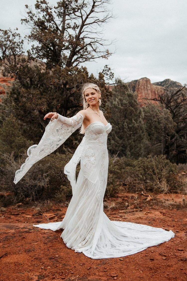 Jaci41-Berkopec-Bohemian-Chic-Vibes-Destination-Elopement-Intimate-Wedding-Photographer-Sedona-Arizona-Adventure