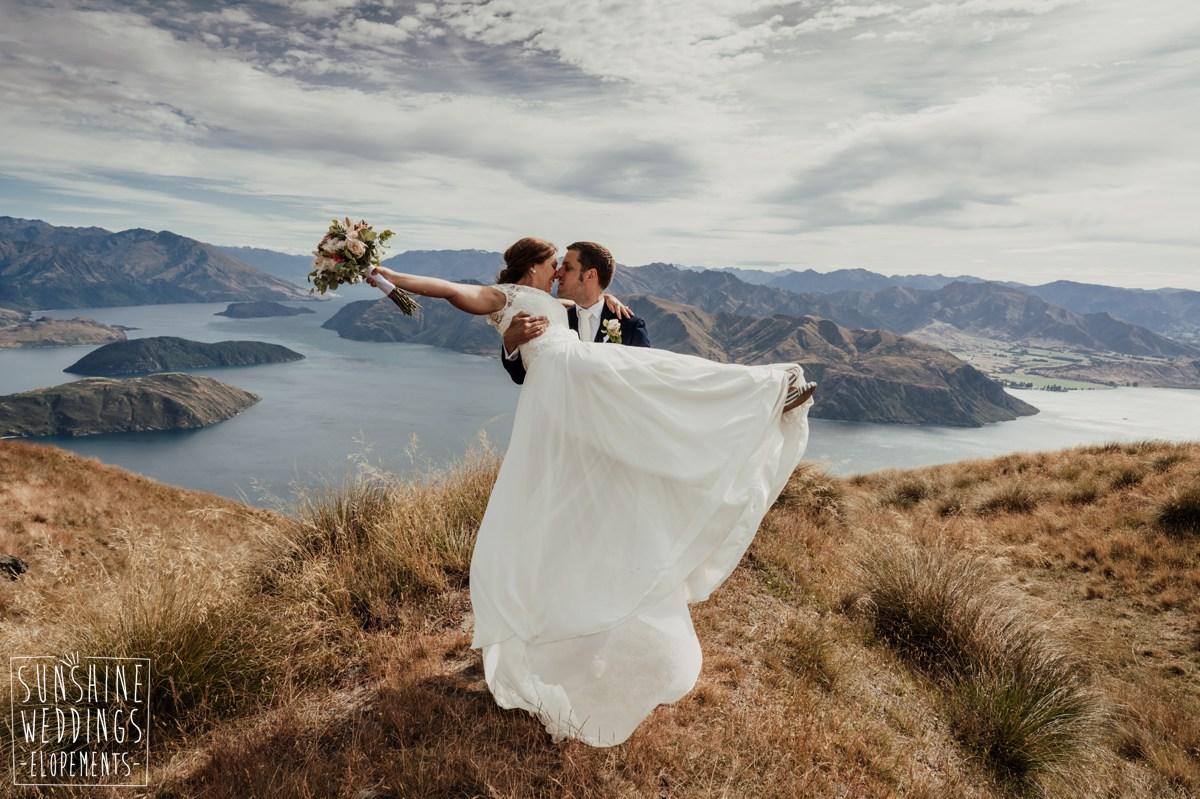 wedding couple coromandel peak wedding