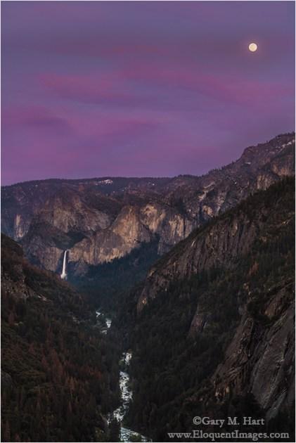 Gary Hart Photography: Spring Moonrise, Bridalveil Fall and the Merced River Canyon, Yosemite