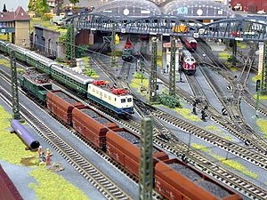 model-train-layouts