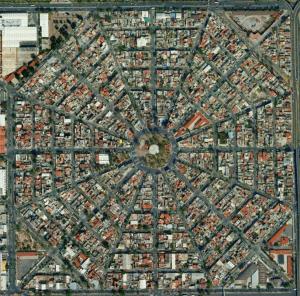 Buena planificación urbana en zonas de clase media como la de este barrio en la delegación de Venustiano Carranza.