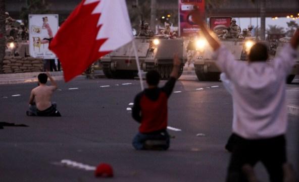 Arabia Saudí acudió al rescate de los monarcas de su pequeño vecino Bahréin en el marco de las Revueltas Árabes de 2011. El bahreiní fue el régimen del CCG que más cerca estuvo de caer. Fotografía de Hasan Jamali