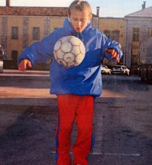Luka Modrić en el centro de refugiados. Fuente: Marca