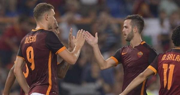 Edin Džeko y Miralem Pjanić jugando con el AS Roma. Fuente: DailyMail