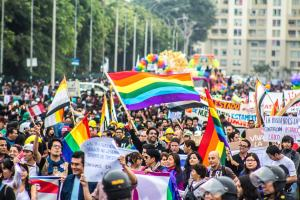 «Rainbow is the new black»: a la caza del homosexual