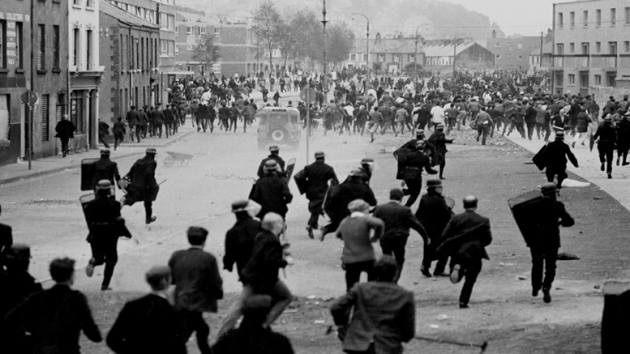 Fotografía de la batalla de Bogside (agosto de 1969). Fuente: Your Irish