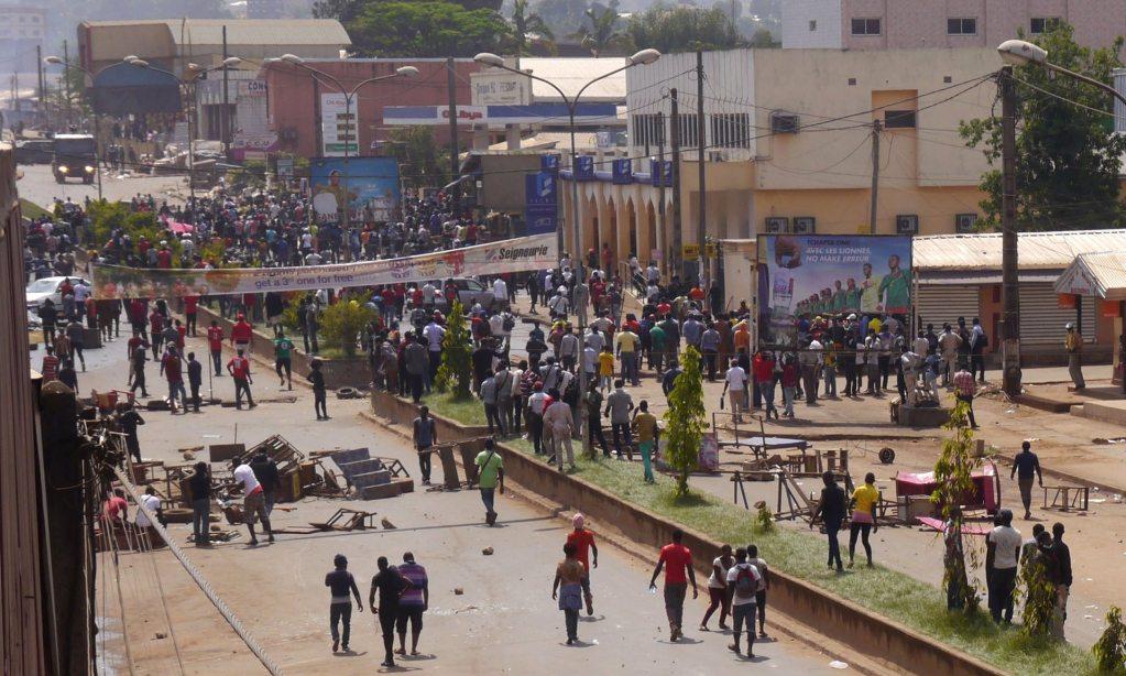 112 Camerún