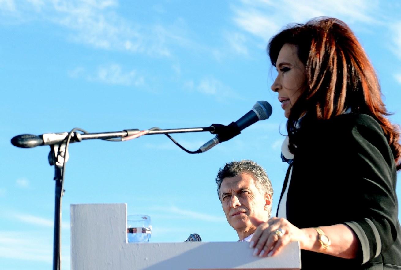 Cristina Fernández, Mauricio Macri y una nueva crisis en Argentina