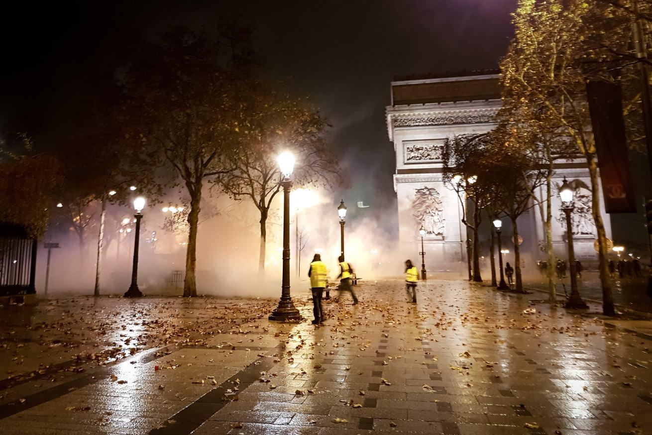 Los chalecos amarillos, la primera gran crisis de Macron
