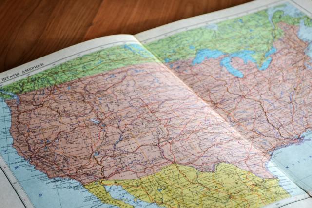 ¿Por qué las capitales de algunos estados de EE. UU. no son las ciudades más importantes?
