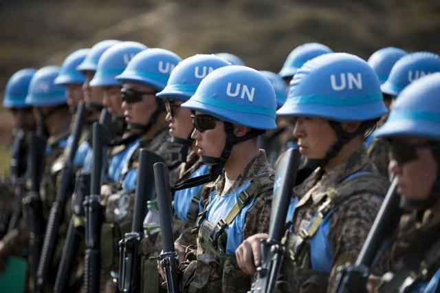 Los cascos azules: misiones de paz en zonas de guerra