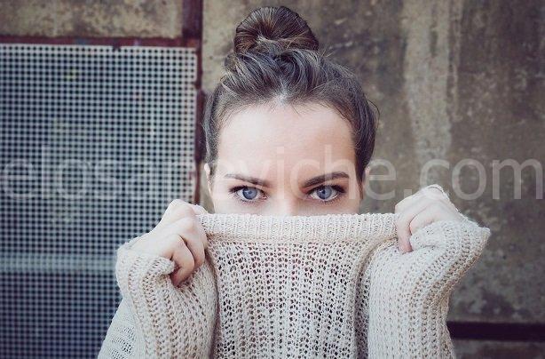Il potere nascosto del contatto visivo: 5 cose che accadono quando le anime si toccano
