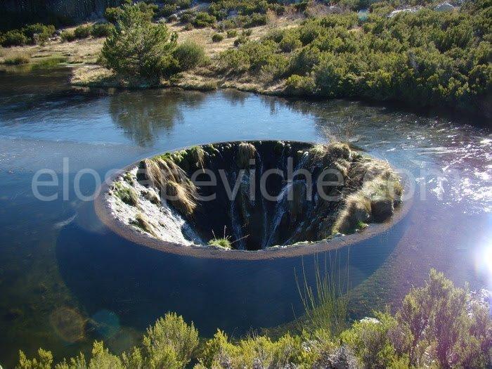 """Covão do Conchos: il misterioso """"lago col buco"""" del Portogallo [FOTO]"""