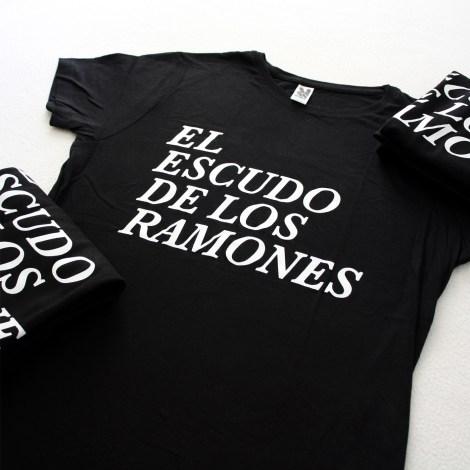 Camisetas 1000x0001 - El escudo de Los Ramones grupo chica