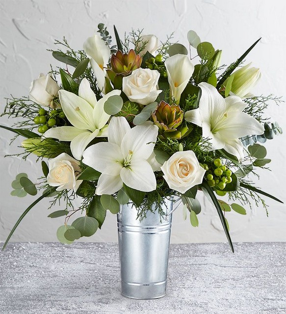 15 Beautiful Rustic Green And White Flower Arrangements 26